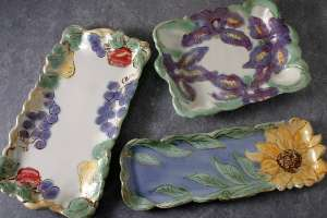 3 tray sizes, loaf cake, cracker, pickle trays